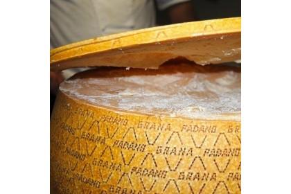 Grana Padano (RM150/kg)
